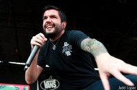 photo-Jeremy-McKinnon-a-day-to-remember-vocalist